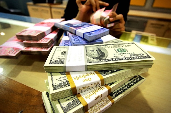 Anjlok Rp15.900/USD, Pelemahan Rupiah Terbesar Sejak 1998