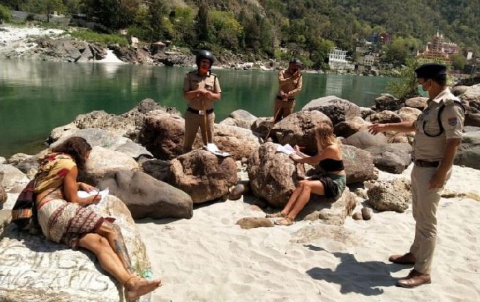 Bandel, Turis di India Wajib Menulis Permintaan Maaf 500 Kali Atas Pelanggaran Lockdown