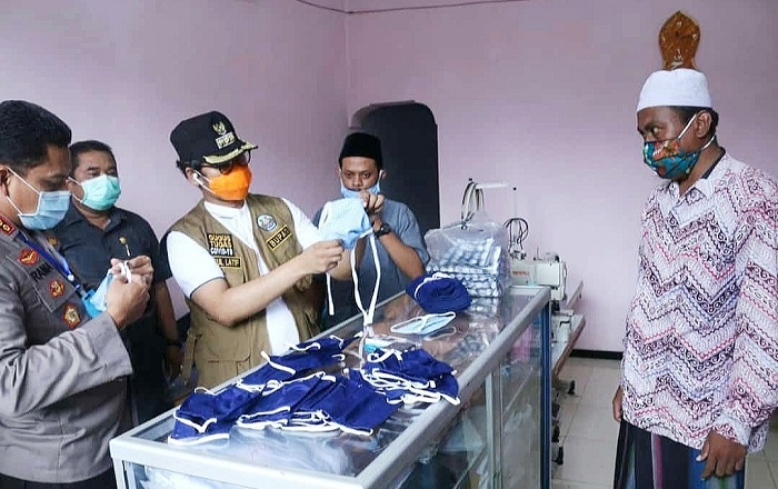 Pemkab Bangkalan Pesan 33 Ribu Masker Buatan UMKM Lokal