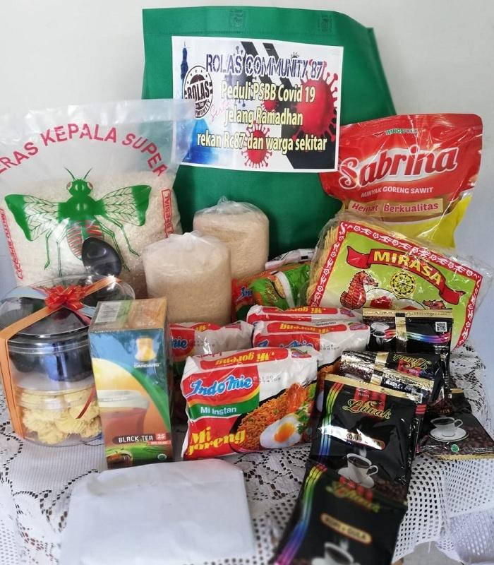 Bantuan Paket Sembako dari Rholas Community 87