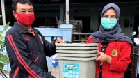 Sembari KKN, Mahasiswi Untag Surabaya Jadi Relawan COVID-19