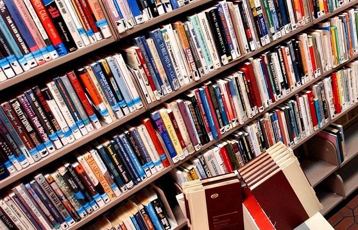 Rekor Denda Terbesar Akibat 47 Tahun Tak Kembalikan Buku Perpus
