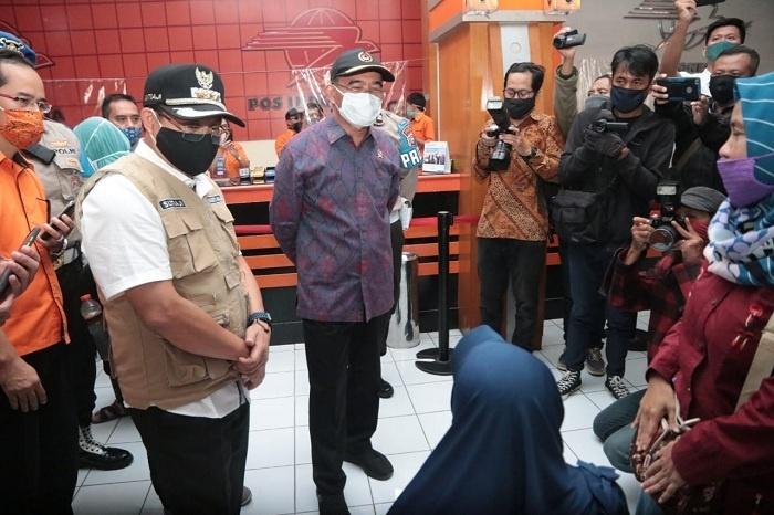 Menko PMK Kunjungi Pos Indonesia
