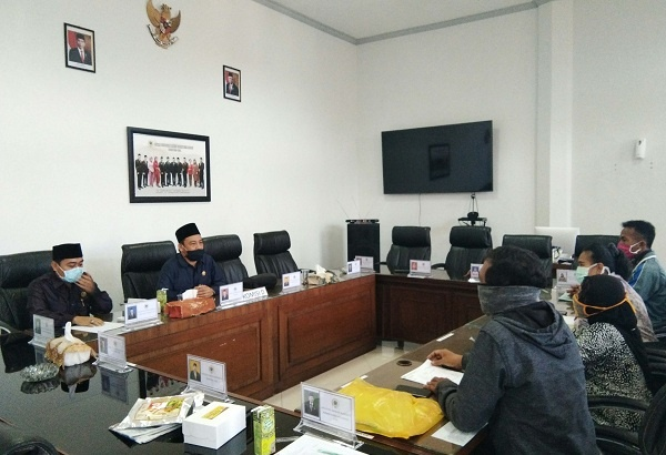 Tak Puas Pelaksanaan PPDB Jalur Zonasi, Calon Wali Murid Datangi DPRD Kota Malang