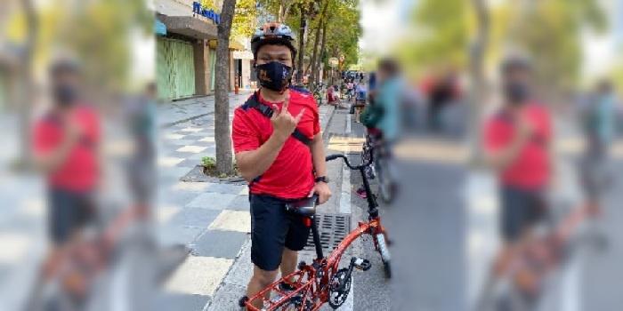 Salah Satu Pesepeda di Surabaya