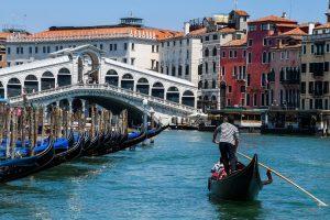 Demi Keselamatan, Jumlah Penumpang Gondola di Venesia Dibatasi