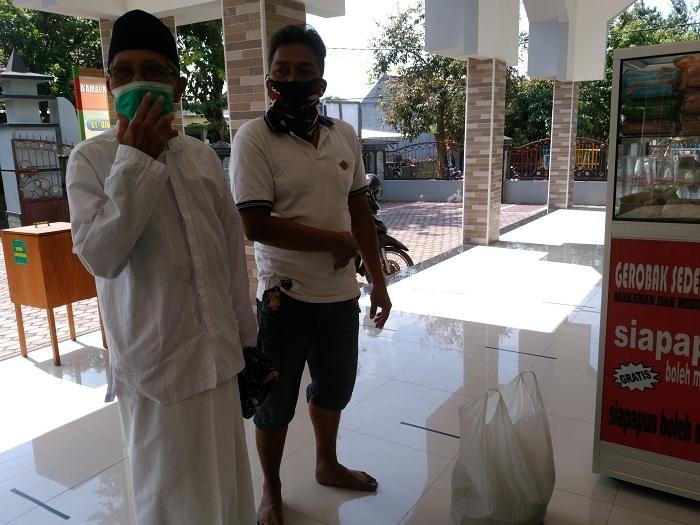 Nasi Bungkus ke Masjid Saladin