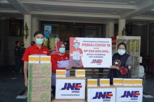 250 Juta Berupa Alat Kesehatan dari JNE untuk Surabaya