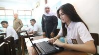 Gubernur Khofifah Tegaskan SPP Gratis bagi SMA/SMK Negeri Se-Jatim