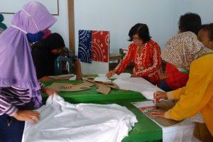 Pelatihan Pembuatan Batik Jumputan