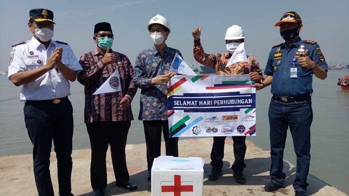 Foto bersama peluncuran i-Boat