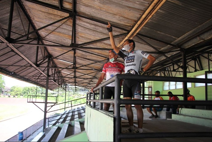 Tarwi-Fanny di Stadion Diponegoro