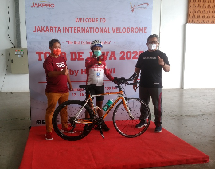 Tarwi bersama pengelola Jakpro & LRT Jakarta