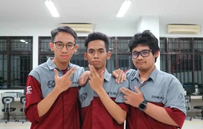 Muhammad Dimas Nugraha Aryatama bersama rekan2nya
