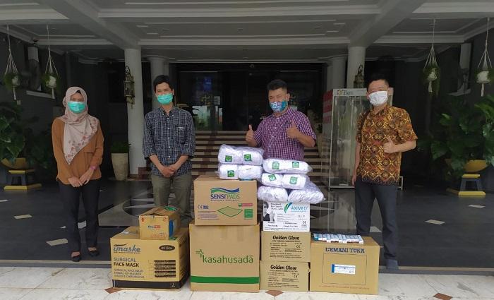 Pawacitra Serahkan Bantuan APD ke Pemkot Surabaya