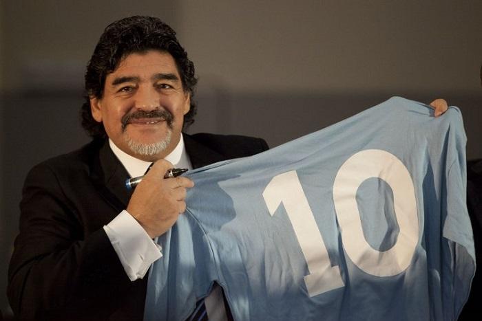 No 10 identik dengan Maradona