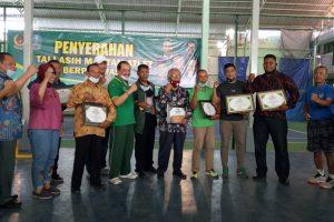 KONI Jatim Beri Penghargaan 8 Mantan Atlet
