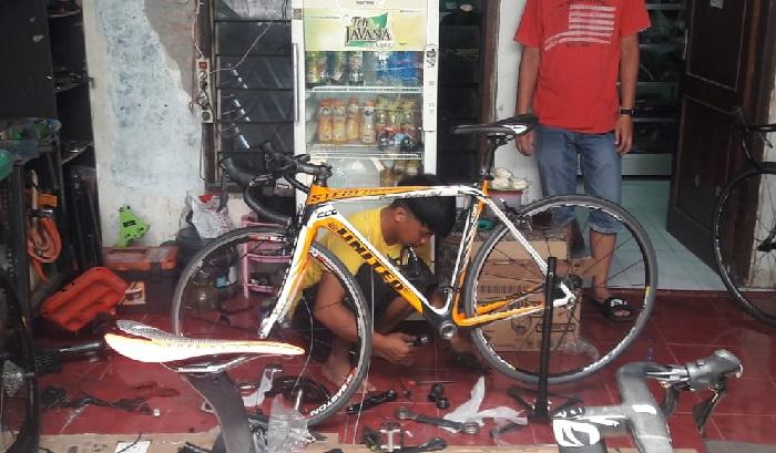 Sepeda Tarwi langsung diperbaiki
