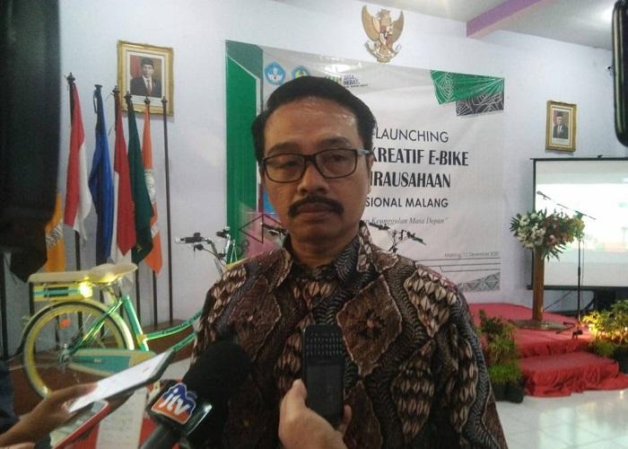 Kepsek SMK Nasional Malang