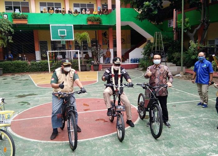 Wawali, Camat dan Kepsek SMK Nasional Malang