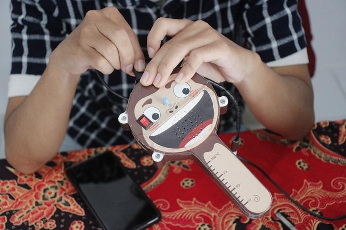 Termometer berbasis suara