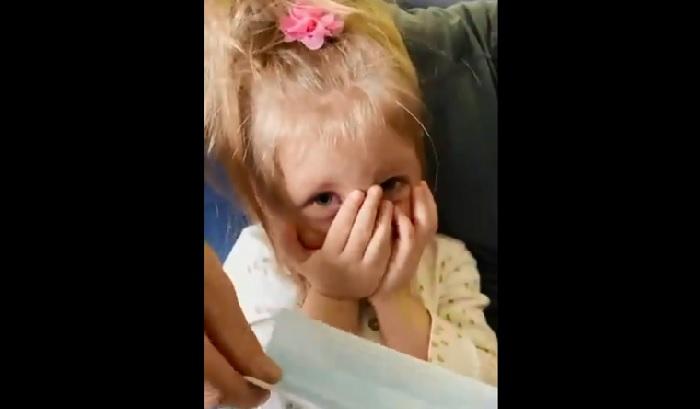 Bocah 2 Tahun Ogah Pakai Masker, Keluarganya Diusir dari Pesawat