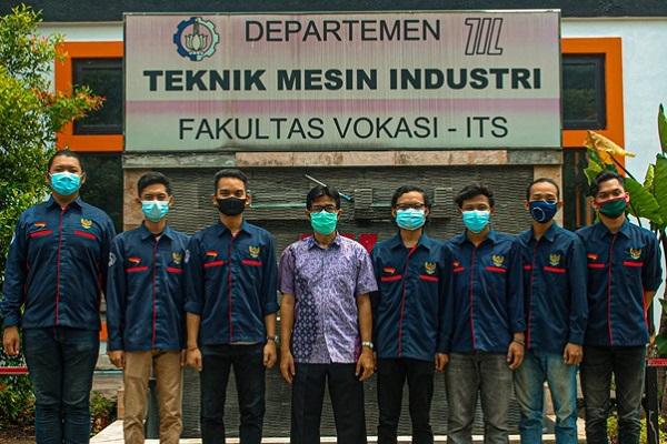 Tim Abmas dan KKN mahasiswa Teknik Industri ITS