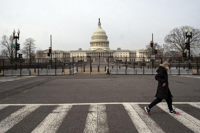 Barikade di sekitar Gedung Capitol