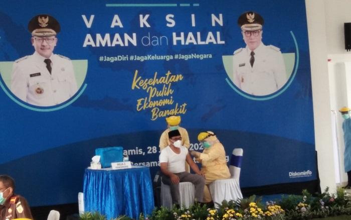 Hari Ini Vaksinasi COVID-19 Mulai Dilakukan di Kota Malang