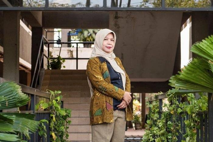 Dr Dewi Hidayati SSi MSi, Kepala Departemen Biologi ITS