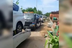Tanahnya Dibeli Pertamina, Warga 2 Desa di Tuban Borong Mobil Baru
