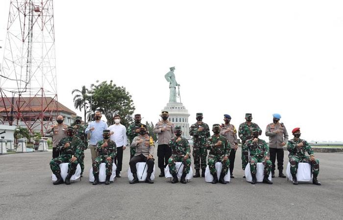 Kapolda Jatim Jalin Silaturahmi dengan Pangkoarmada II