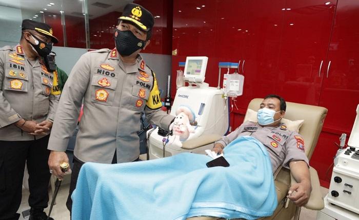 Kapolda Jatim Kunjungi Anggota Polda yang Donor Plasma Konvalesen