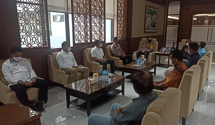 Perangi Hoaks dan Jalin Sinergi, Kapolda Jatim Silaturahmi dengan Pimpinan Redaksi Media Cetak