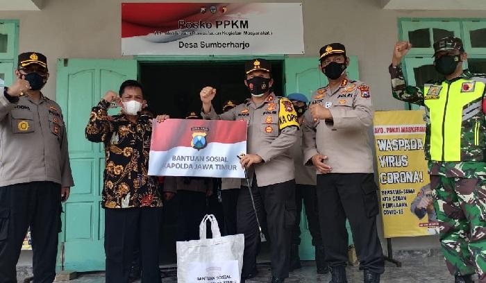Kapolda Jatim Tinjau KTS Posko PPKM Sumberharjo di Pacitan