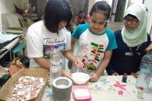 Kreasi Siswa Kelas 6 SDN Rangkah VI/168 Surabaya Olah Cangkang Telur Jadi Pasta Gigi