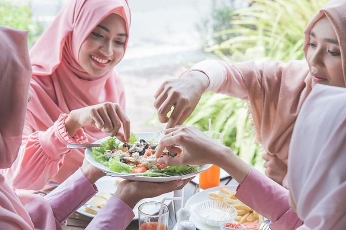 7 Tips Sukses Diet di Bulan Ramadhan