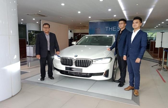 BMW Seri 5 Terbaru Hadir Makin Canggih Dan Mempesona.