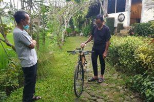 Tiba di Temanggung, Tarwi dan Keluarga Disambut Pemilik Spedagi