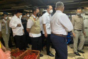 Satgas Pangan Polda Jatim-Mendag Pantau Harga dan Stok Kebutuhan Pokok di Pasar Wonokromo