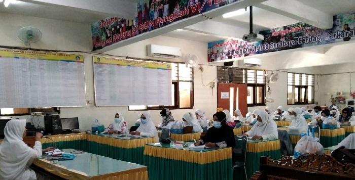 Rapat di sekolah