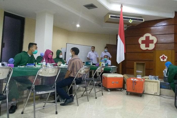 Antri donor darah