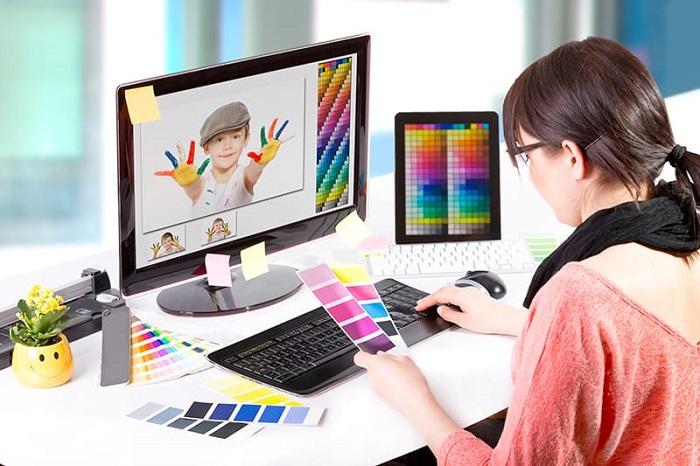 Desainer grafis