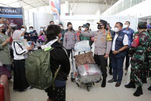 Cegah COVID-19, Forkopimda Jatim Saring Ketat Pekerja Migran Indonesia Masuk Jatim
