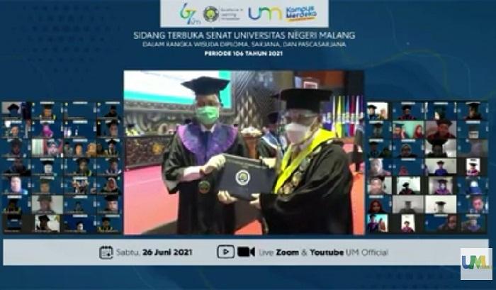 Wisuda ke-106, Rektor UM Tekankan Keterampilan Literasi dan Kompetensi