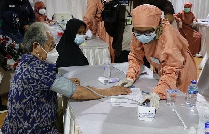 9-11 Juni, Dinkes Pemkab Malang Gelar Vaksinasi Massal Bagi Lansia di Stadion Kanjuruhan