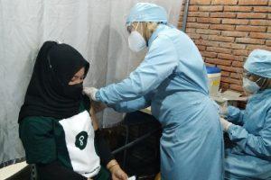 Berikan Rasa Nyaman Pada Pengunjung, Ratusan Pekerja Ritel Matos Ikuti Vaksinasi Masal