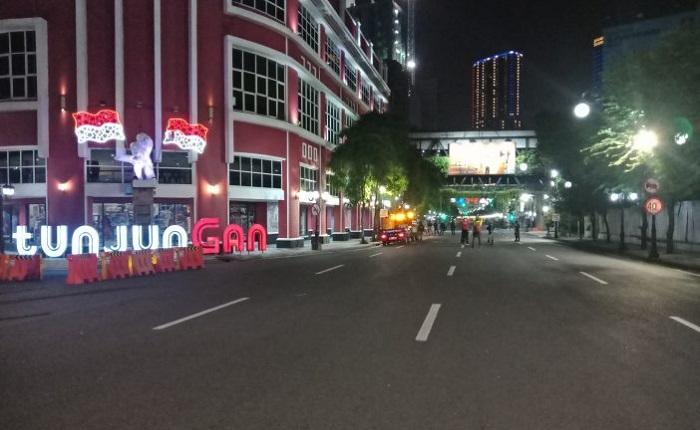 Perketat PPKM Mikro, Pemkot Surabaya Tutup Jalan dan Batasi Kegiatan Usaha Hingga Pukul 8 Malam