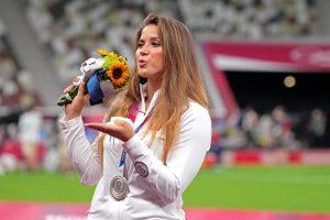 Atlet Polandia Lelang Medali Perak Olimpiade Tokyo Demi Operasi Jantung Seorang Bayi