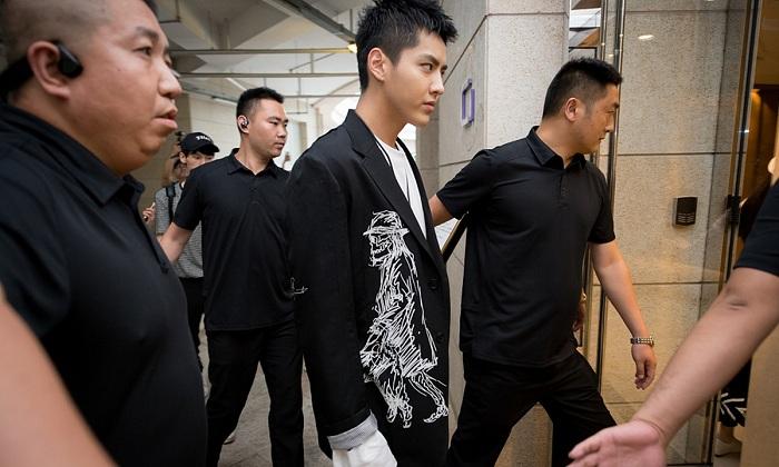 Kris Wu digelandang aparat China